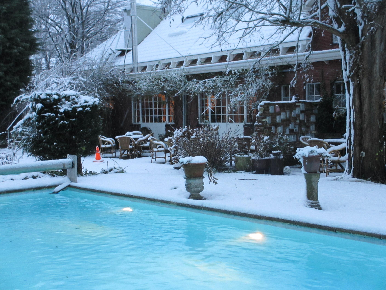 Zeeland sneeuw zwembad
