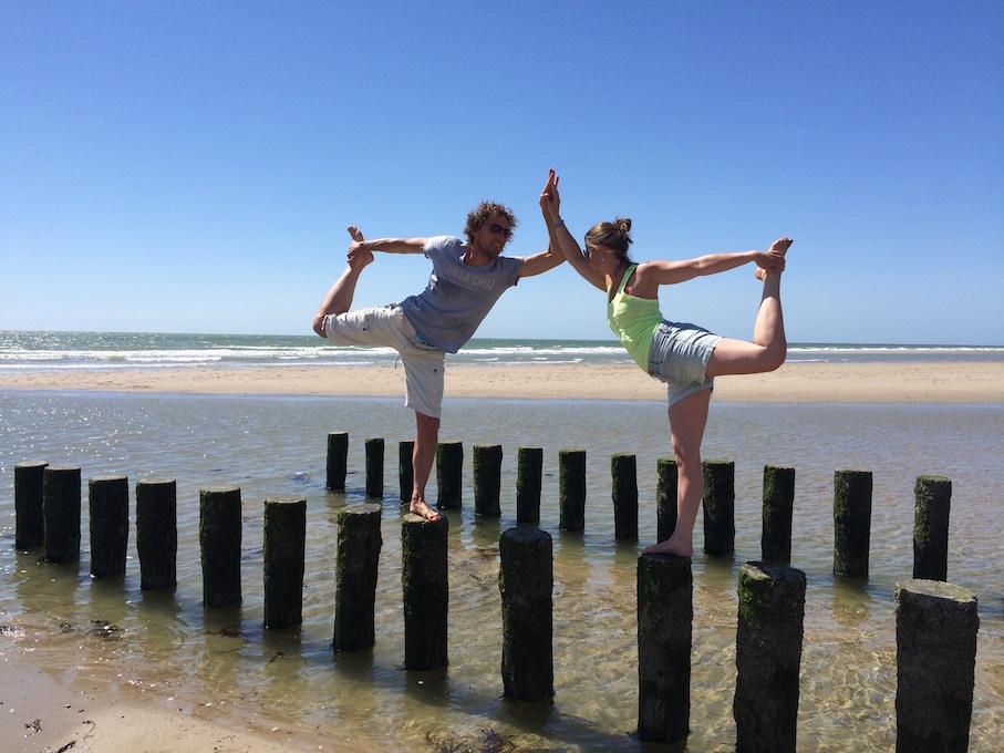 Zeeland_strand_danser