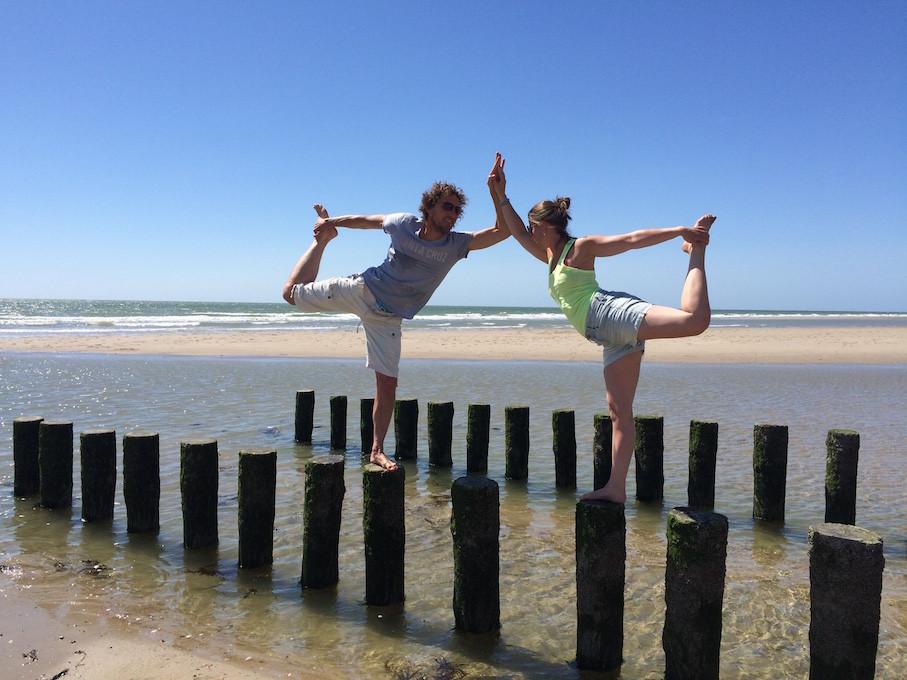 Zeeland_strand_danser.JPG