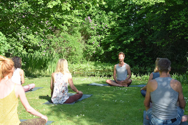 DSC_0441 buiten yoga.JPG
