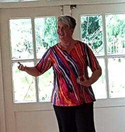 Mariet Rutten in meditatie les