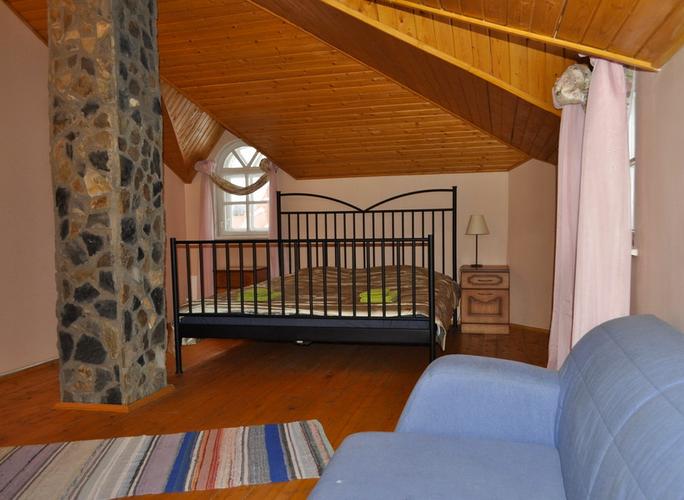 Номер люкс с большой кроватью