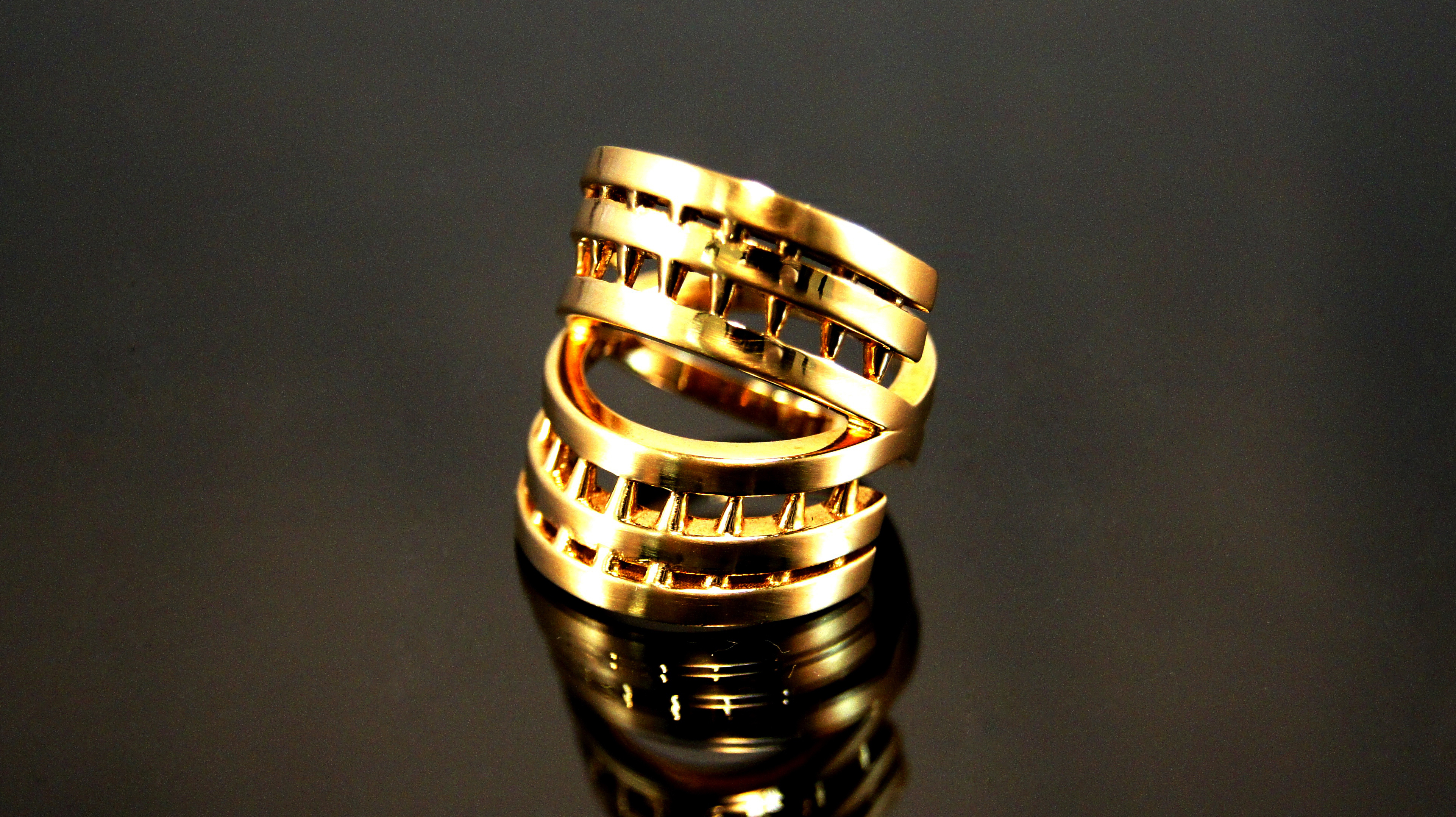 Interiority ring solid