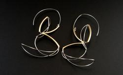 Golden lining earrings V