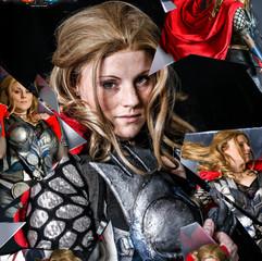 Leia Thor Mirror-2.jpg