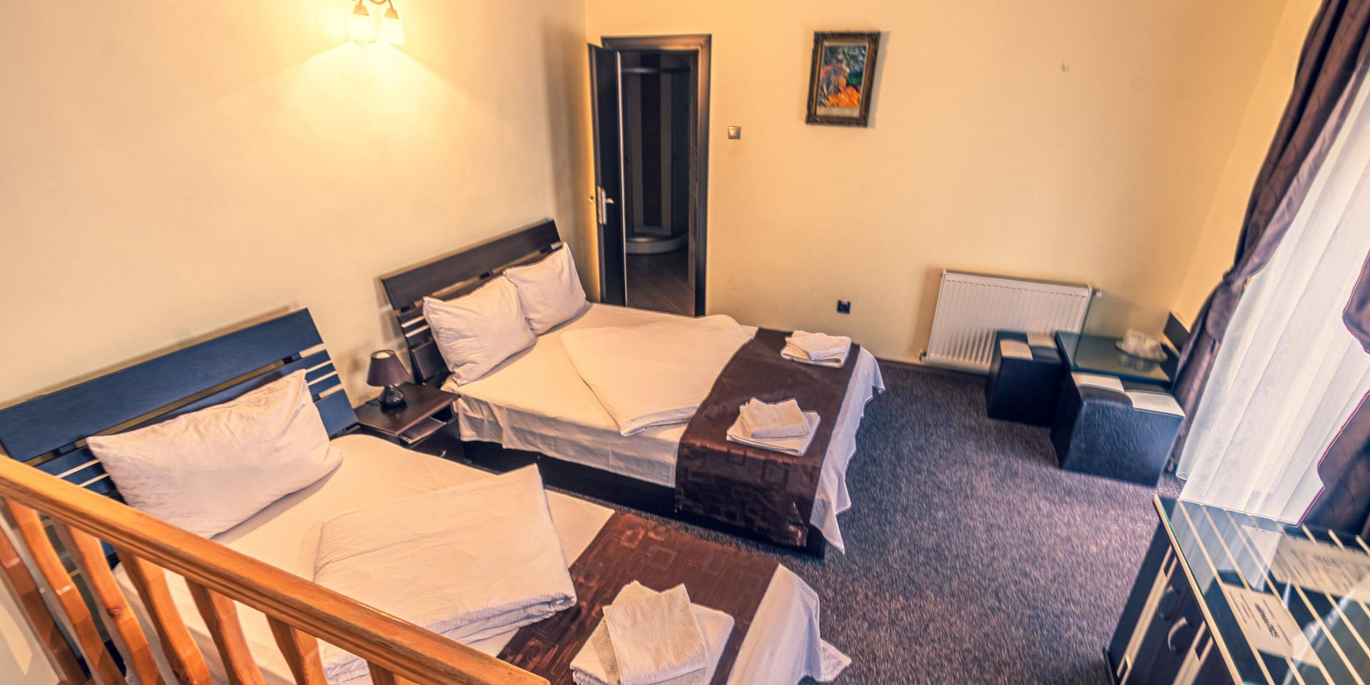 Camera 1 - triplă, matrimonial