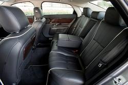 2011-Jaguar-XJL-interior
