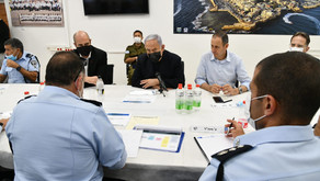 內塔尼亞胡視察阿卡警察局時講到必要時用鐵腕恢復對以色列城市的管理