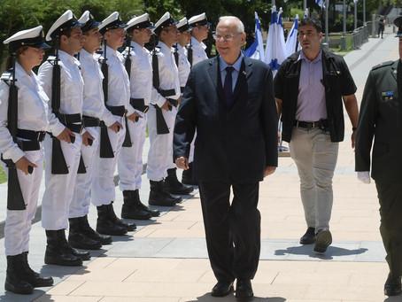 魯文里夫林總統視察以色列國防軍,進行屆滿告別演講