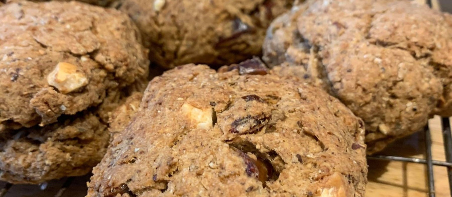 Spiced, date and walnut cookies (great for kapha season, balancing for all dosha)