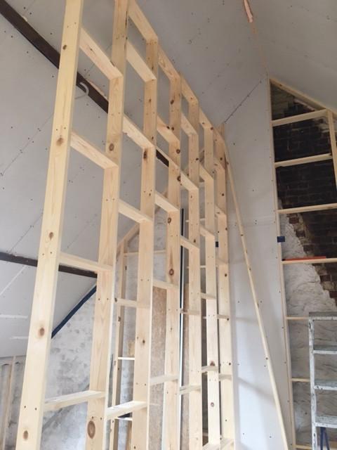 Houtbouw houtskelet valse wand zolder renovatie verbouwing Gent Miel