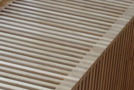 Omkasting radiator spijlen hout