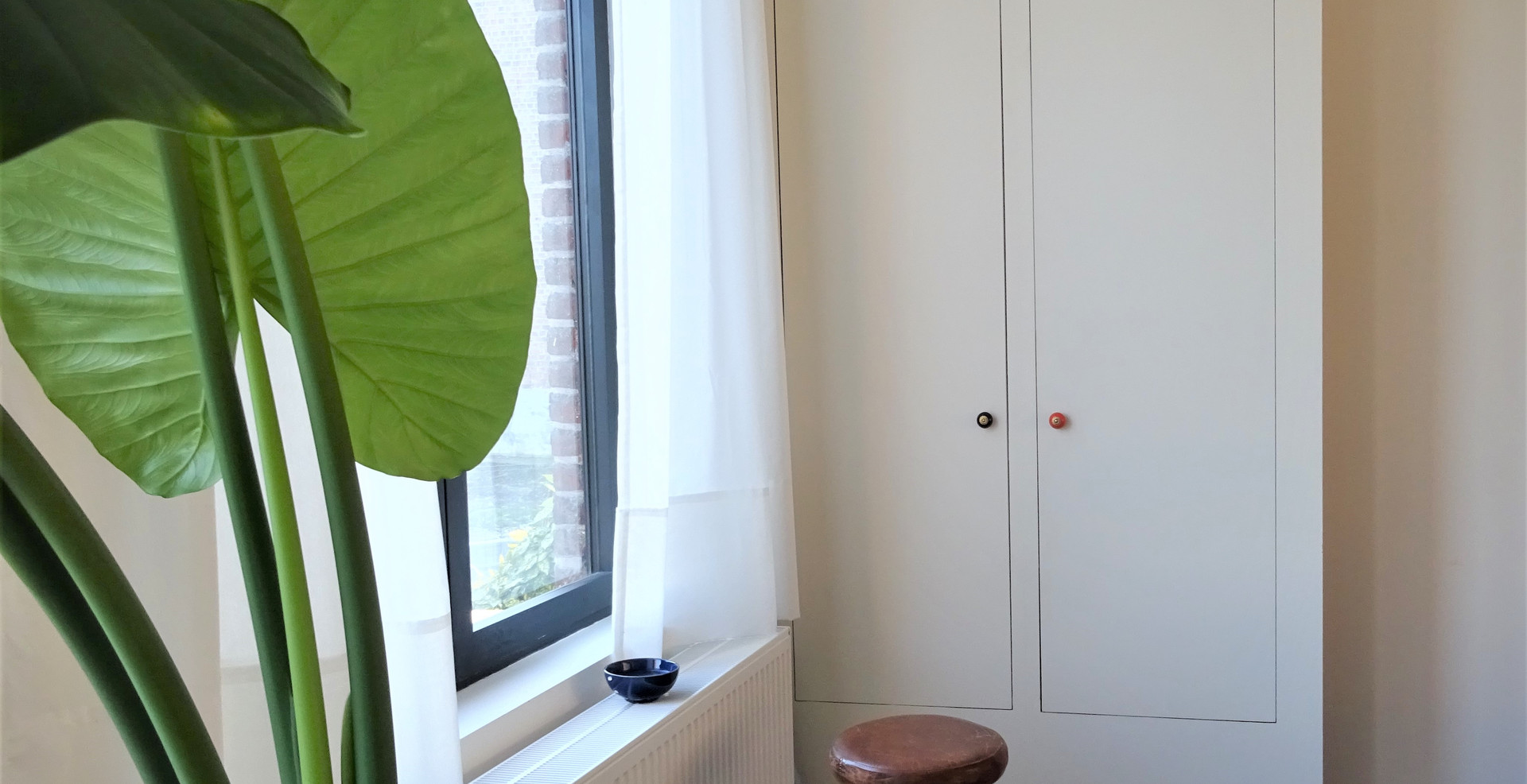 maatwerk kast elektriciteit wit plant mooi vintage inbouwkast