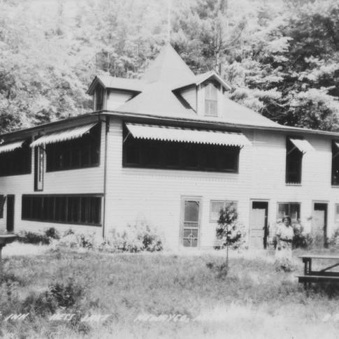 25-Roamer's Inn