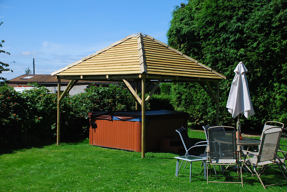 Modern Timber Gazebo Sussex