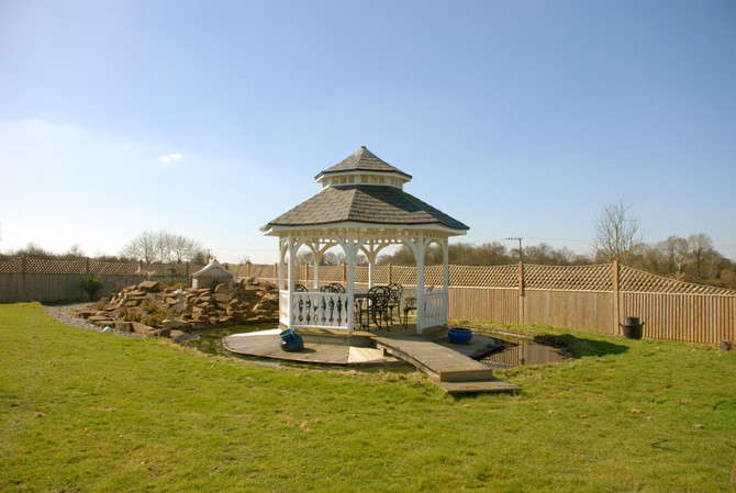5 reasons to own a Miniature Manors Gazebo