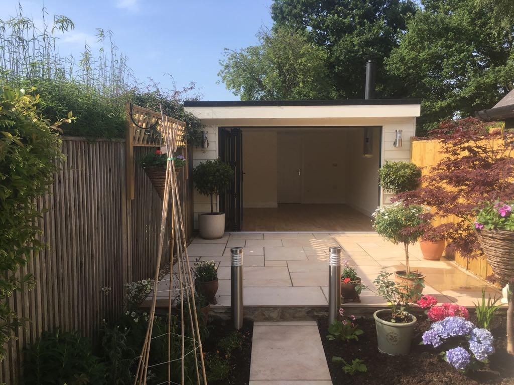 Garden Room with Toilet & Garage