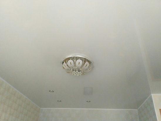 добавление светильников в натяжной потолок