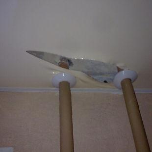 исправление труб, ремонт потолка