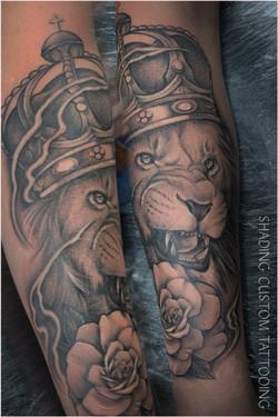 Leeuw kroon tatoeage