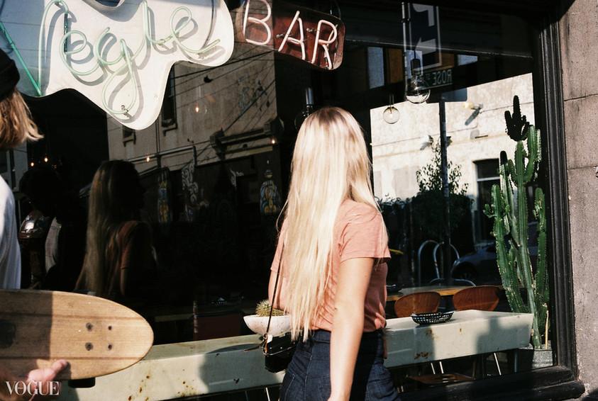 Blonde © © Lala Serrano