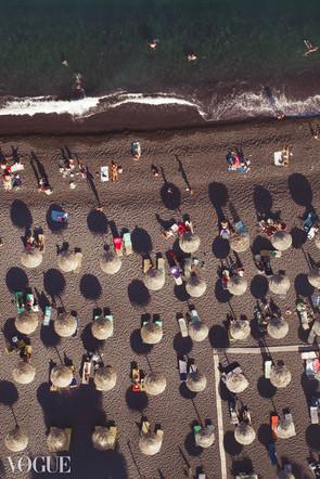 VOGUE  Umbrellas © Lala Serrano