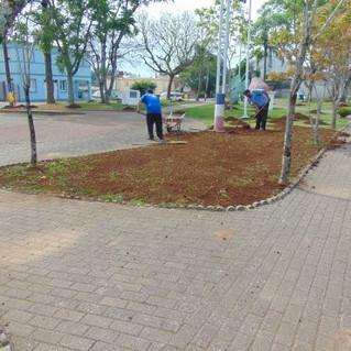 Praças e espaços públicos recebem melhorias