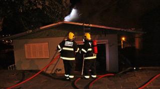 Incêndio em residência mobiliza Corpo de Bombeiros em Carlos Barbosa