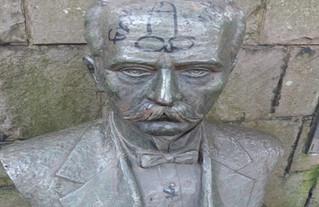 Busto de Carlos Barbosa alvo de vândalos