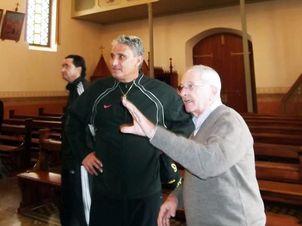 Técnico da seleção brasileira Tite visita o Santuário de Caravaggio, em Farroupilha