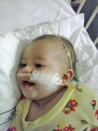 Bebê de sete meses com Síndrome de West precisa de doações