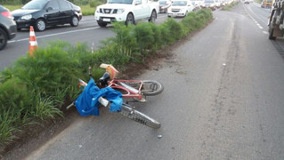 Ciclista morre após ser atropelado por um caminhão na ERS-122, em Farroupilha
