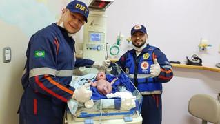 Mulher dá à luz dentro de ambulância do Samu em Farroupilha