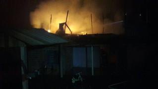 Incêndio destrói casa em São Pedro da Serra