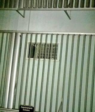 Presos serram grades e fogem de Delegacia de Polícia em Canoas