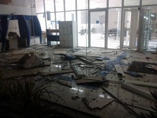 Bandidos explodem caixas eletrônicos do Banrisul em Bento Gonçalves