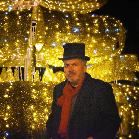 Ebenezer Scrooge (Mark Ellis)
