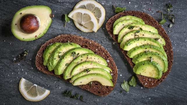 Avocado Slices with Lemon