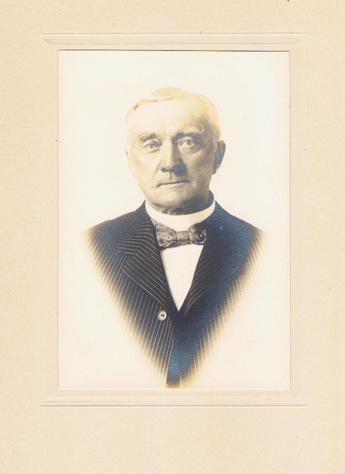 Coras cousin HW Putnam