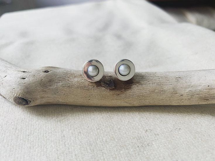 white pearl sterlingsilver earings