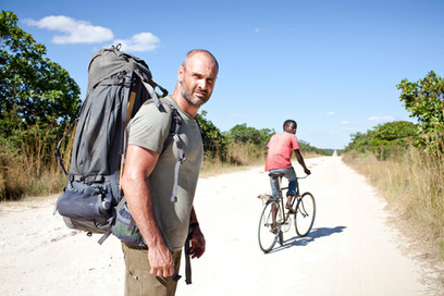 DISCOVERY CHANNEL - ED STAFFORD - PHOTOGRAPHY