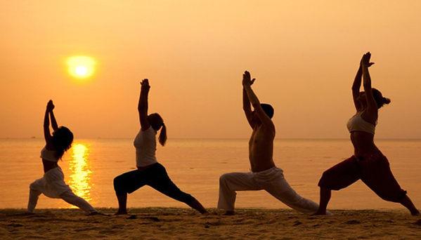 Yoga-en-la-playa.jpg