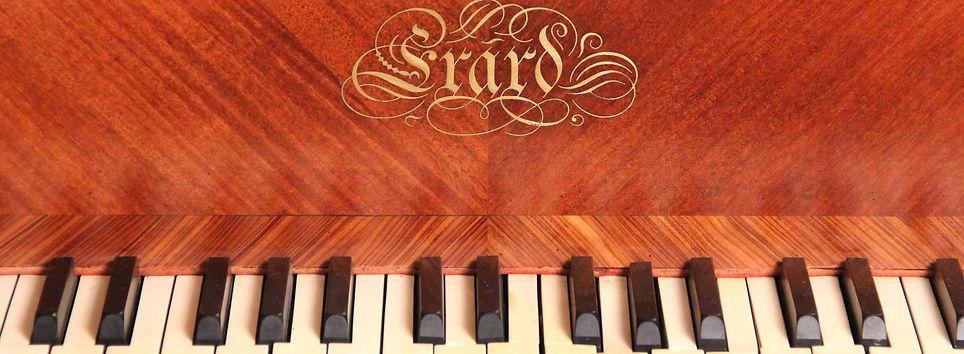wonderful-erard-piano-by-franois-linke.j
