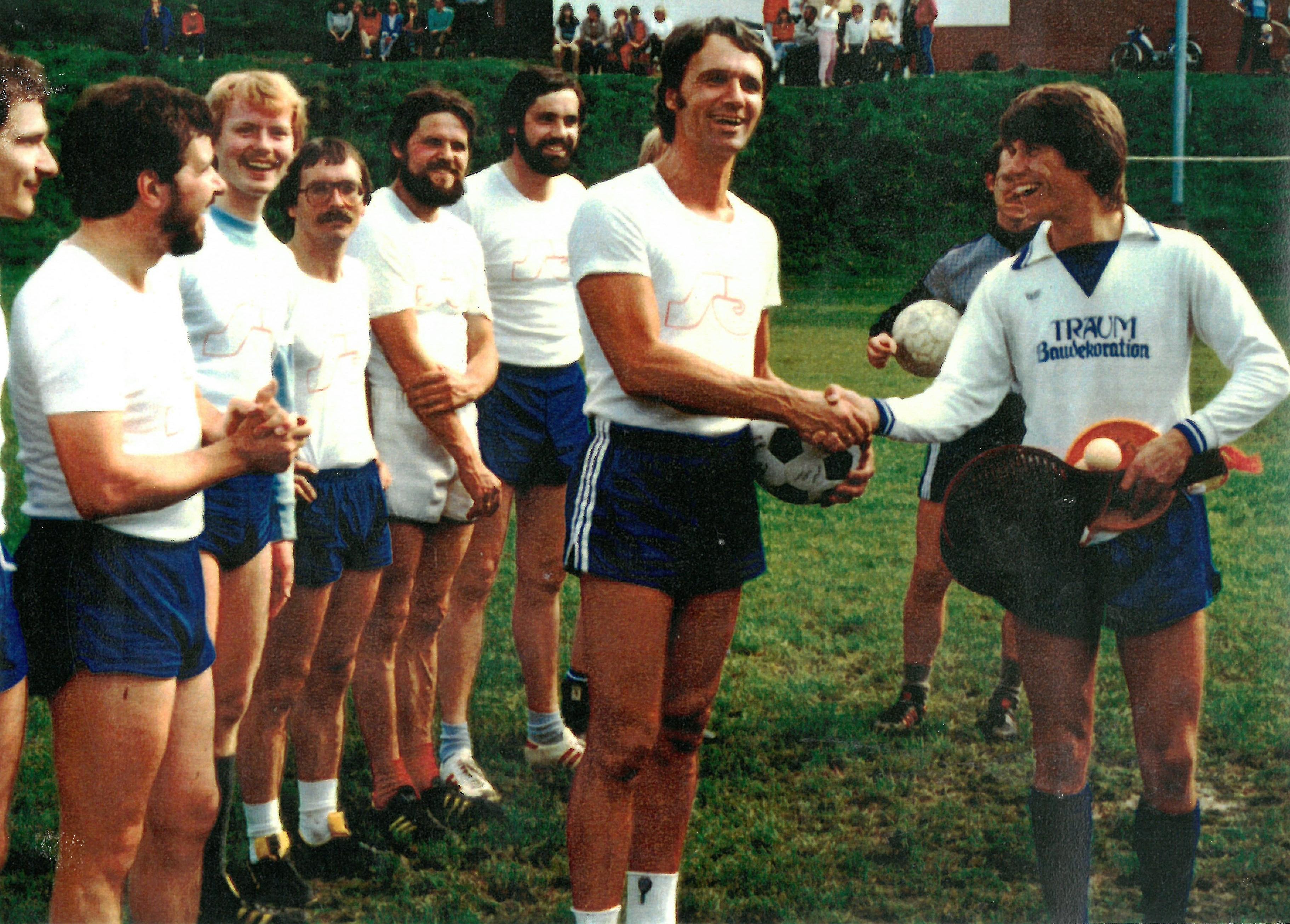 Fussball gegen Alpha Buchhandlung Giessen