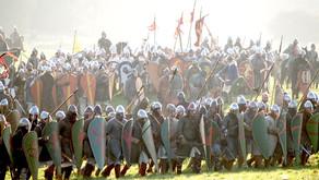 Cavalieri, a terra. Le origini della tattica di far combattere a piedi la cavalleria.