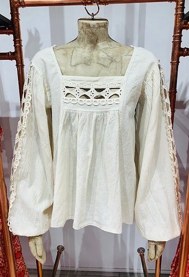 Berlin - Blouse With Lace