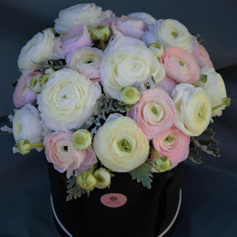 ranunculus hat box