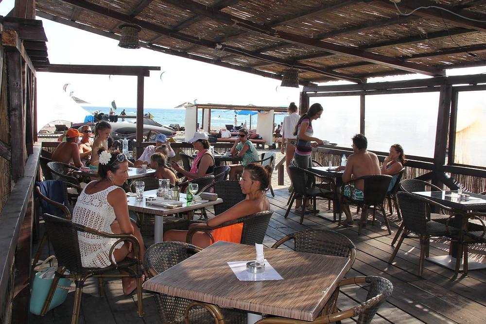 кафе у моря в черногории.jpg