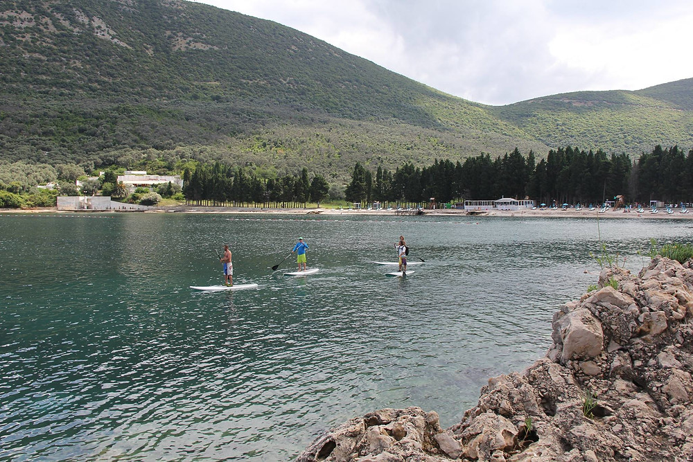сап серфинг по морю и озерам черногории.jpg
