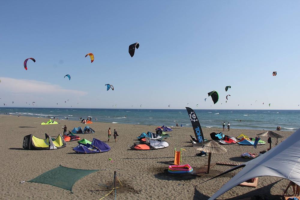 черногория ветер кайты море.jpg